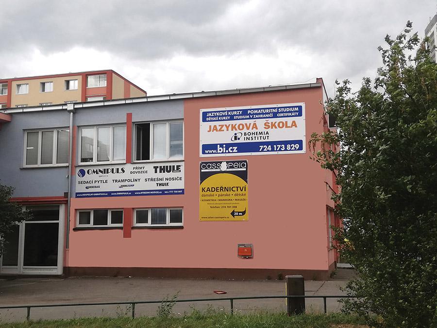 Bohemia Institut, renovovaná cedule (2020)